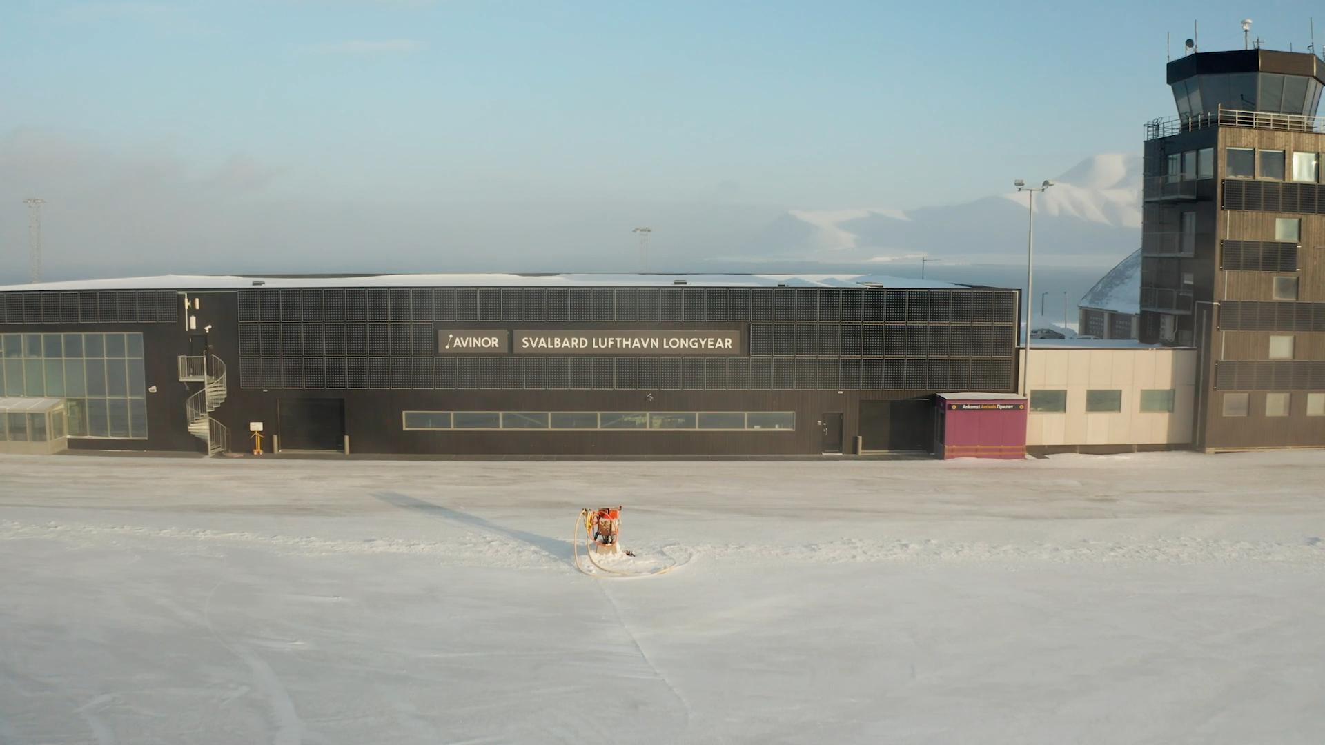 Svalbard Lufthavn